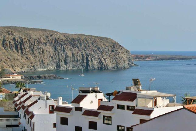 2 bed apartment for sale in Calle La Montana, Edif Maria, Los Cristianos, Tenerife, 38660