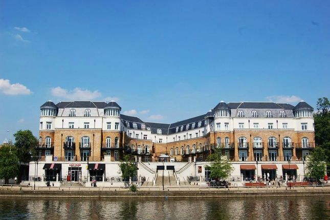 Thumbnail Flat for sale in Thames Edge Court, Clarence Street, Staines-Upon-Thames, Surrey