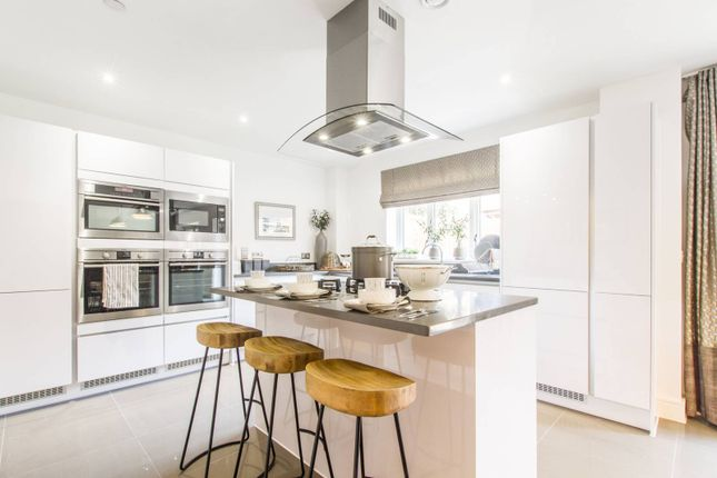 Thumbnail Property to rent in Cuneo Mews, Mill Hill