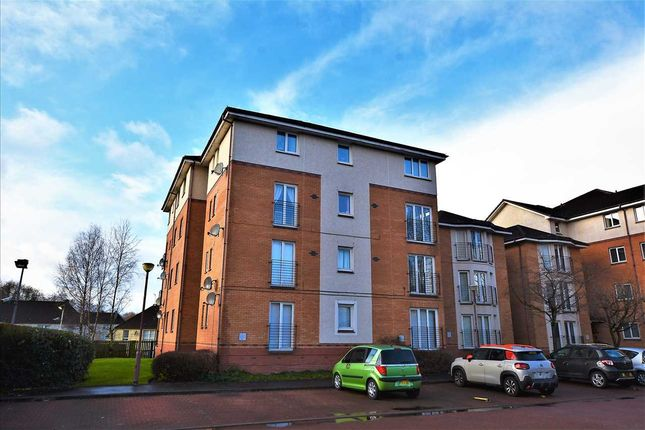 Thumbnail Flat for sale in St Andrews Drive, Drumpellier