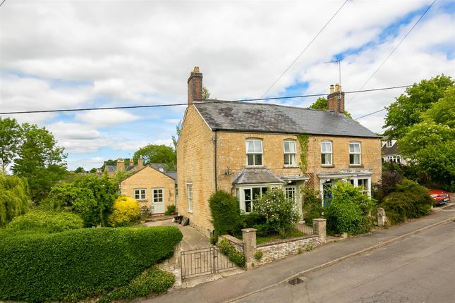 Thumbnail Semi-detached house for sale in The Leys, Chipping Norton