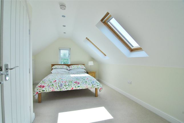 Picture No. 11 of Cherry Tree Close, Nailsworth, Stroud, Gloucestershire GL6