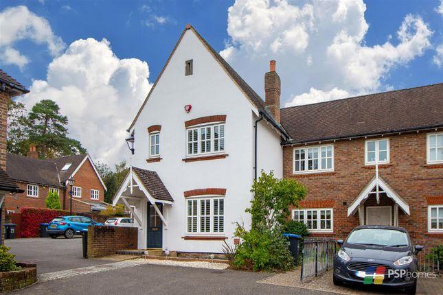 3 bed end terrace house for sale in Fletcher Way, Haywards Heath RH16