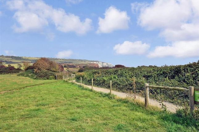 Surrounding Area of Sandown Bay Holiday Centre, Sandown, Isle Of Wight PO36