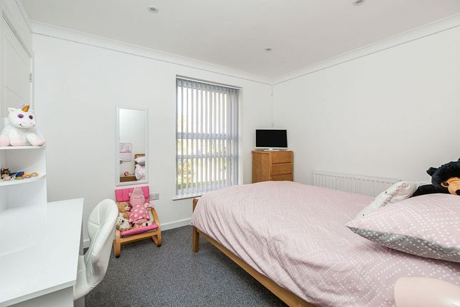 Bedroom 2 of Penenden, New Ash Green, Longfield DA3