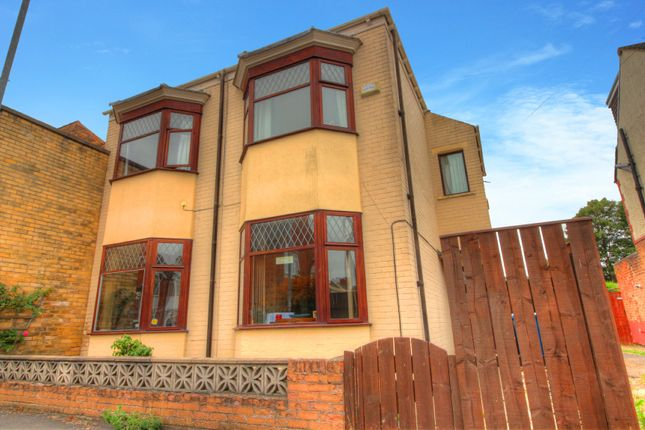 Thumbnail End terrace house for sale in Shaftesbury Avenue, Hull