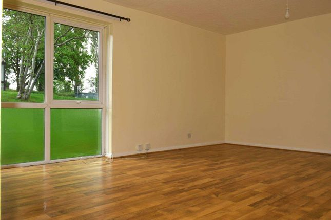 Flat to rent in Maple Court, Frome