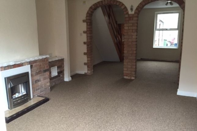 Thumbnail Terraced house to rent in Station Terrace, George Street, Retford