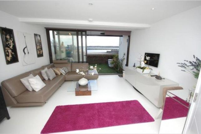 Thumbnail Town house to rent in Ballard Close, Poole