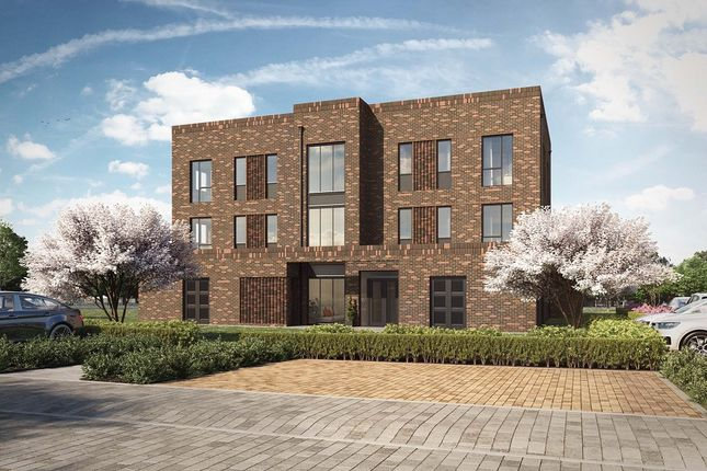 Thumbnail Flat for sale in Bucknalls Drive, Bricket Wood, St. Albans