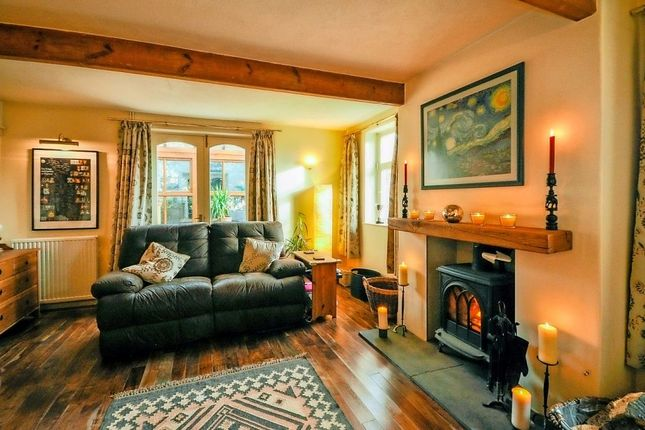Thumbnail Property for sale in Hillfoot Cottages, Pudsey, West Yorkshire
