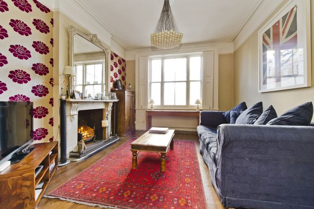 Living Room of Stratford Road, London W8