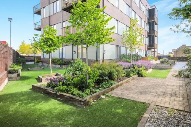 Thumbnail Flat for sale in Wenlock House, 33 Eaton Road, Enfield