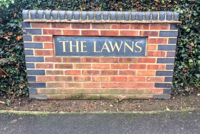 Thumbnail Flat to rent in The Lawns, Old Bath Road, Colnbrook, Slough, Berkshire