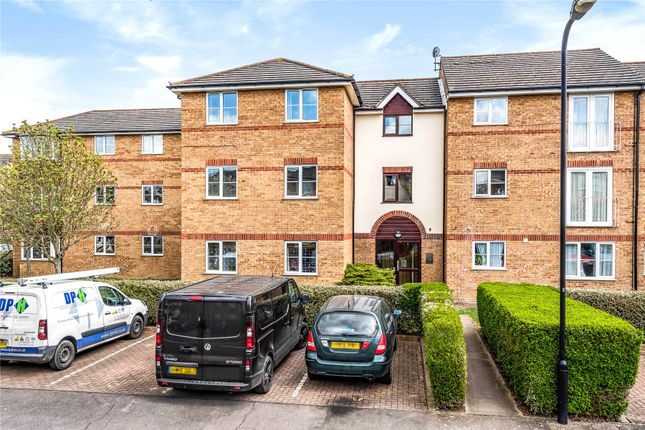 1 bed flat for sale in Beaufort Close, London E4