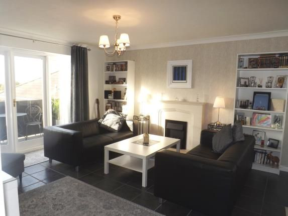 Thumbnail Flat for sale in Pennyfields, Brentwood, Essex