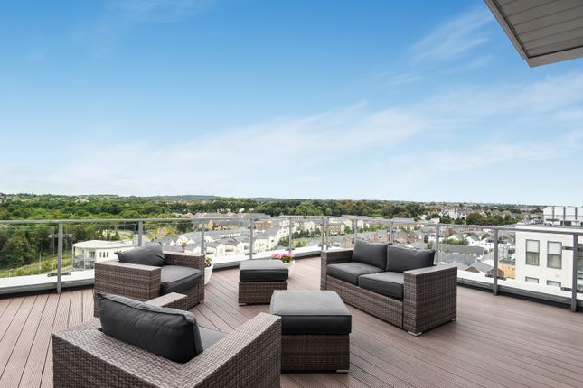 Thumbnail Flat for sale in Clovelly Place, Greenhithe