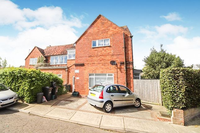 Thumbnail Flat for sale in Blenheim Drive, Colchester