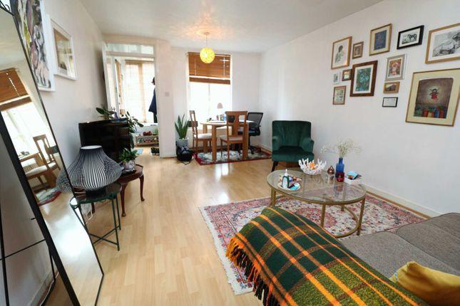 Thumbnail Flat to rent in Charteris Road, London
