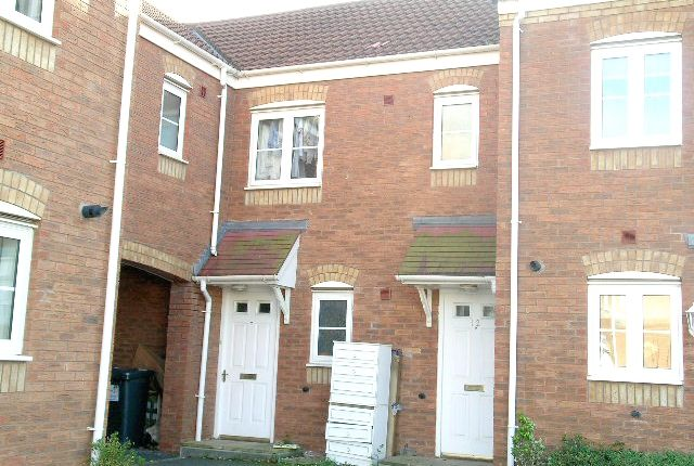 Thumbnail Flat to rent in Russell Close, Wilnecote, Tamworth, Staffordshire