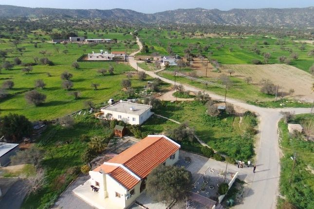 2 bed bungalow for sale in Buyukkonuk, Cyprus