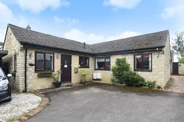 Thumbnail Detached bungalow for sale in Yarnton, Oxfordshire