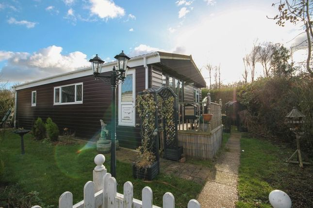 Thumbnail Mobile/park home for sale in Main Drive, Lower Dunton Road, Dunton, Brentwood