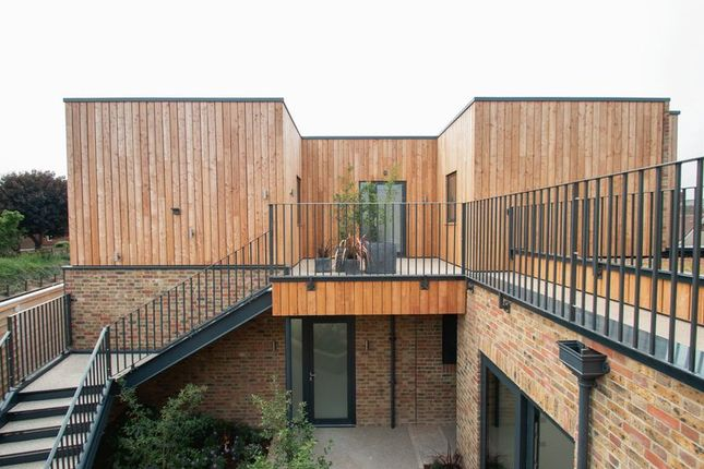 Thumbnail Flat for sale in Cleveland Road, Chichester