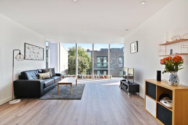 Thumbnail Flat for sale in Skyline Apartments, Devan Grove, London