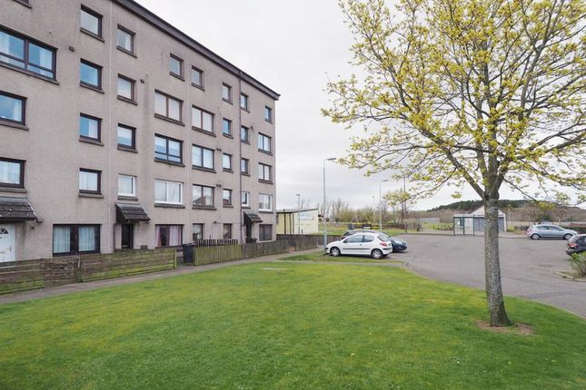 Thumbnail Flat for sale in 15B Park View, Stoneyburn