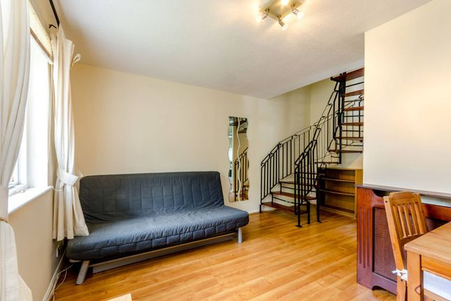 Thumbnail Property to rent in College Gardens, Tooting