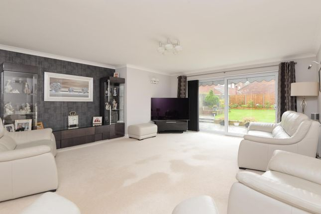 Living Room of Evans Road, Willesborough, Ashford TN24