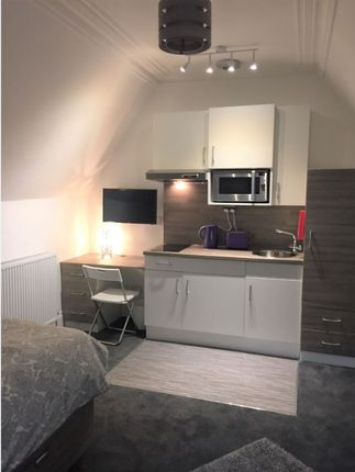 Studio to rent in Roseangle, West End, Dundee DD1
