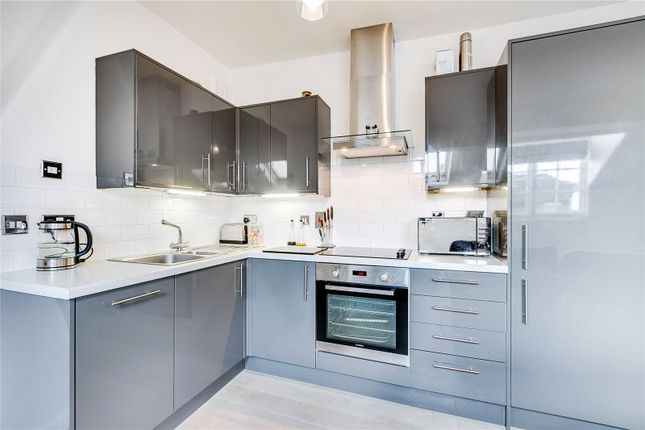 2 bed flat for sale in Tierney Road, London