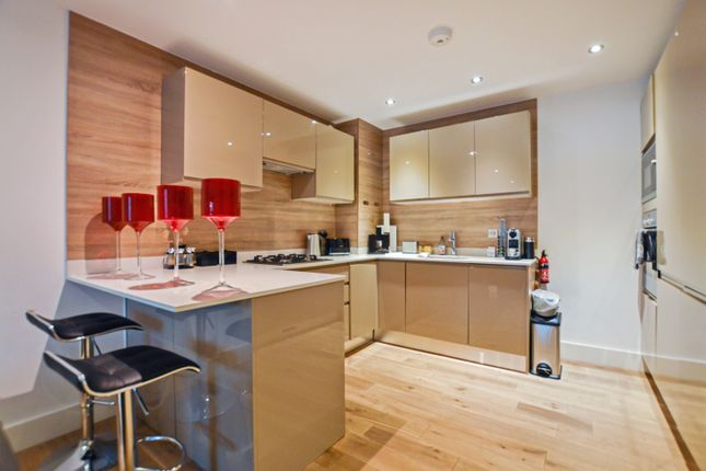 Thumbnail Flat to rent in Pyrford Road, West Byfleet, Surrey
