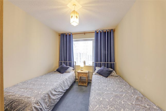 Picture No. 15 of Cantley Crescent, Wokingham, Berkshire RG41