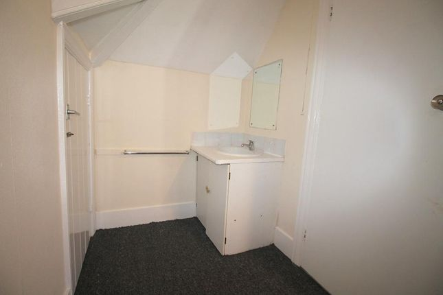 Detached house to rent in Vallance Gardens, Hove, East Sussex