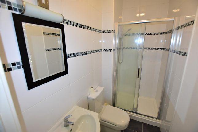 Bathroom of Phoenix Yard, Upper Brown Street, Leicester LE1