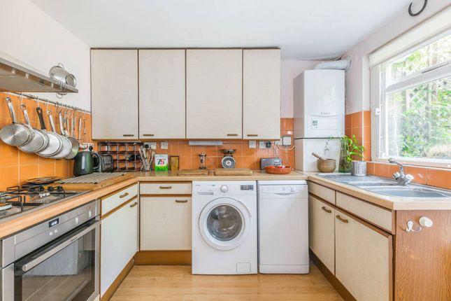 Thumbnail Maisonette to rent in Tollington Park, Stroud Green, London