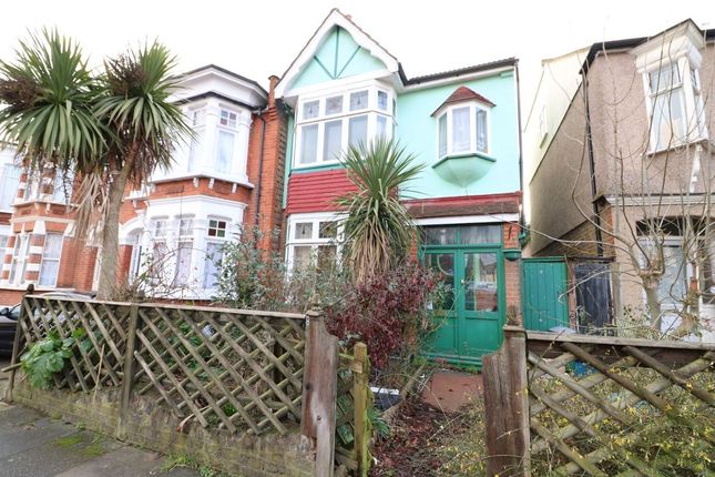 Thumbnail Property for sale in Harpenden Road, Wanstead, London