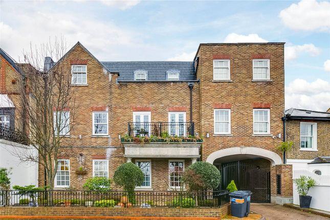 Thumbnail Flat to rent in Kew Foot Road, Richmond, Surrey