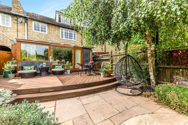 Thumbnail Terraced house for sale in Cascade Avenue, Muswell Hill, London