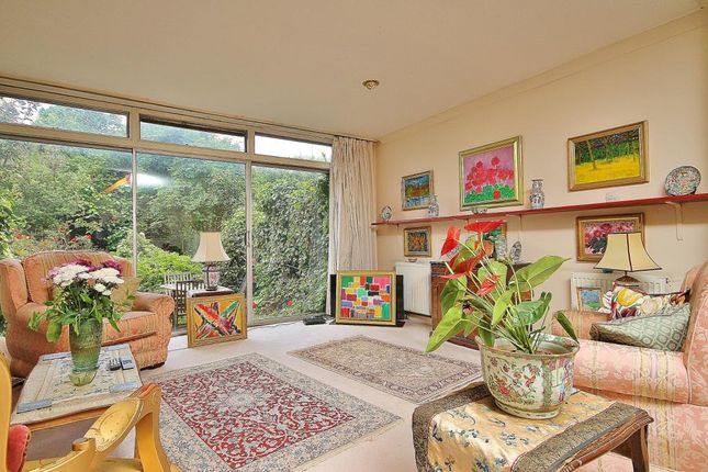 Thumbnail Town house for sale in Whitefield Close, Putney, London