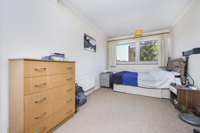 Master Bedroom of Mile End Road, London E3