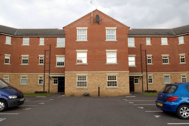 Thumbnail Flat to rent in Chelwood Court, Balby, Doncaster