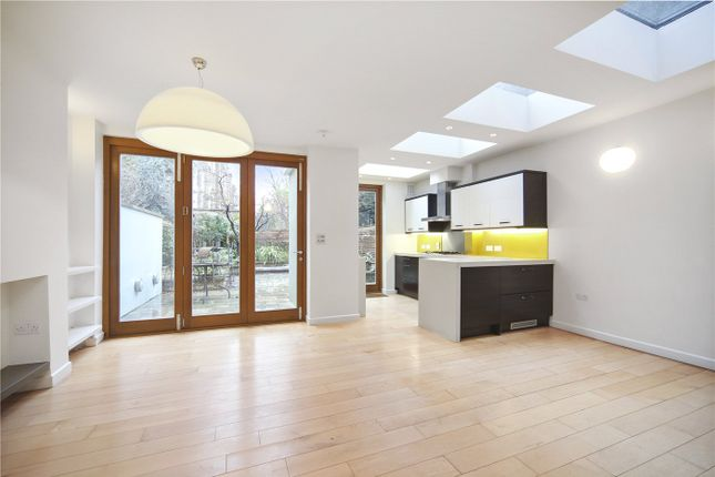Thumbnail Flat to rent in Tavistock Road, Notting Hill, London