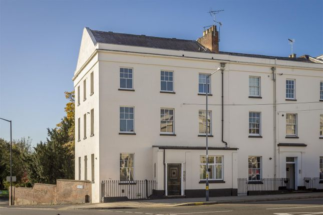Thumbnail Flat to rent in Portland Place West, Leamington Spa