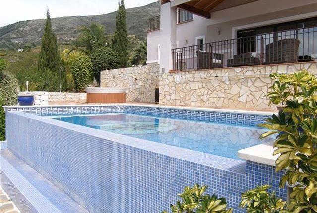 3 Pool of Spain, Málaga, Mijas