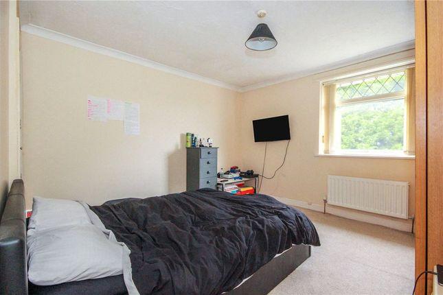 Picture No. 15 of Grove Close, Winsford, Cheshire CW7