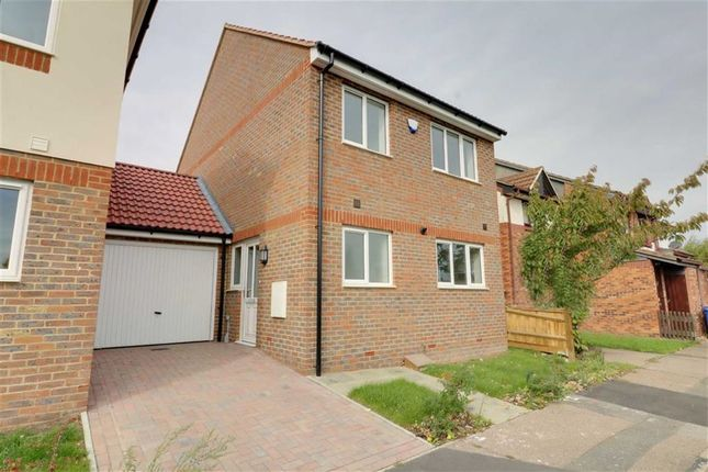 Thumbnail Link-detached house for sale in Hogg Lane, Grays